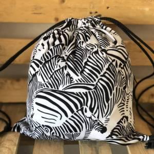 Mochila zebra con cremallera lateral