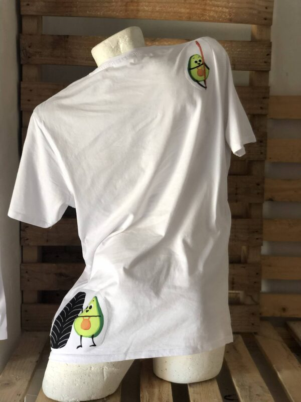 Camiseta diseño aguacate.